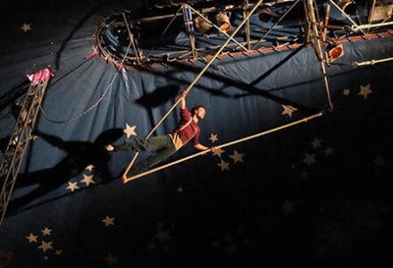 """Stage jeunes """"découverte des arts du cirque"""""""